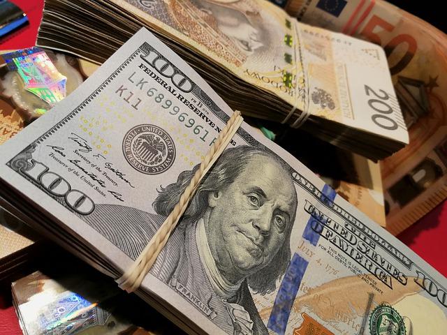 Pożyczka chwilówka a pożyczka gotówkowa – jakie różnice?